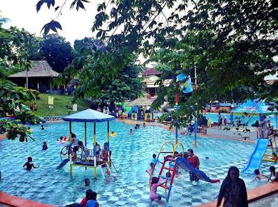 Kolam  Renang Mumbul Garden
