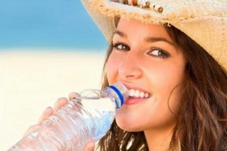 Air untuk kesehatan bibir