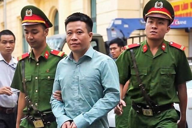 Ông Hà Văn Thắm- cựu Chủ tịch HĐQT Ocean Bank trong môt lần ra toà