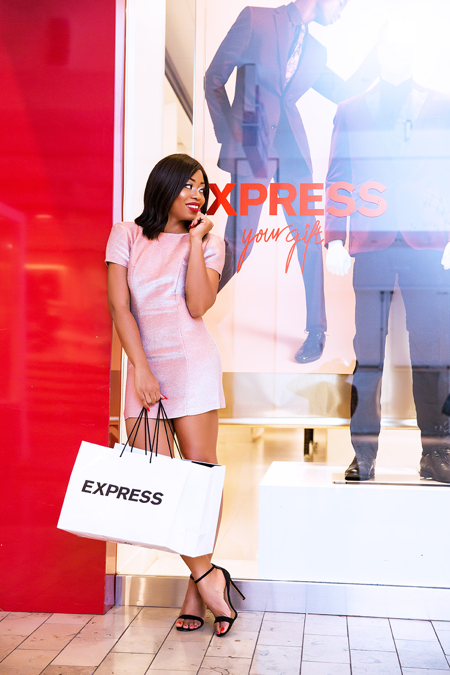 Holiday shopping at Express Westfield mall, www.jadore-fashion.com