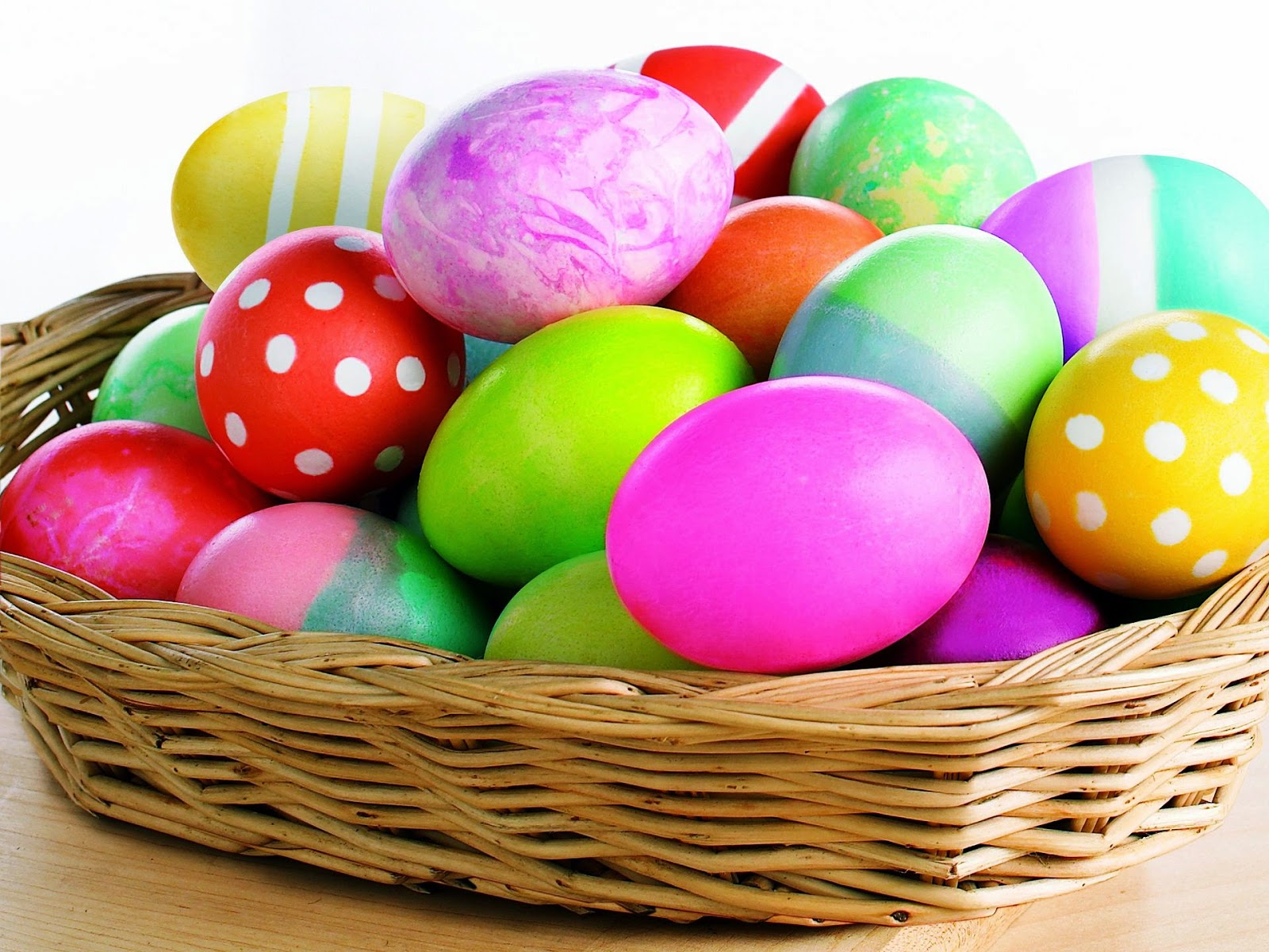 Colorful Easter egg pictures 2021