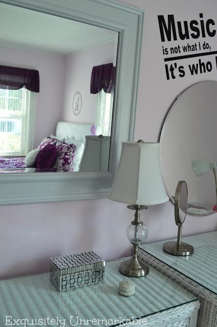 Teen Girl's Bedroom With Wall Decal