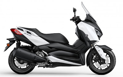2017 Yamaha X-Max 300 White color image