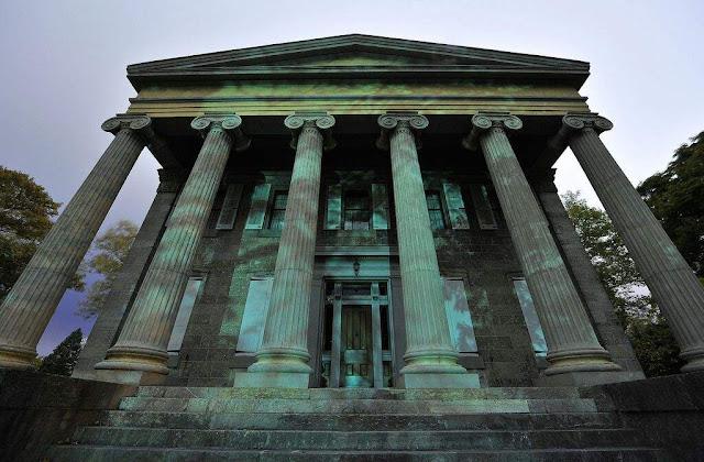 museum baker mansion yang sangat berhantu dan penuh dengan penampakan mahluk gaib