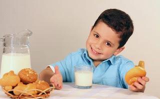Cara Mengatasi Anak Susah Makan Nasi dan Minum Susu
