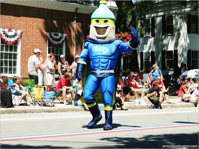 Héroe Desfile 4 de Julio Bristol