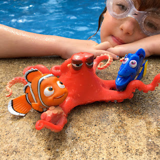 finding dory pool toys dive characters