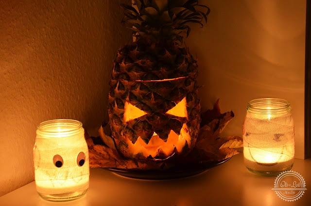 Szalony ananas na Halloween