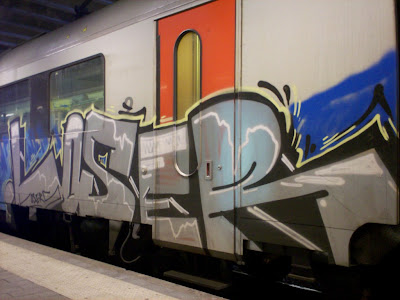 Loser graffiti