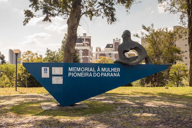 Memorial à Mulher Pioneira do Paraná