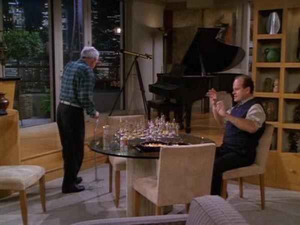 Frasier - Season 3 Episode 18: Chess Pains