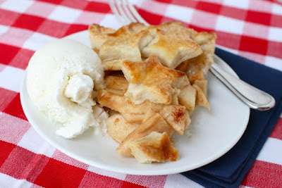 http://www.annies-eats.com/2011/06/27/star-spangled-apple-pie/