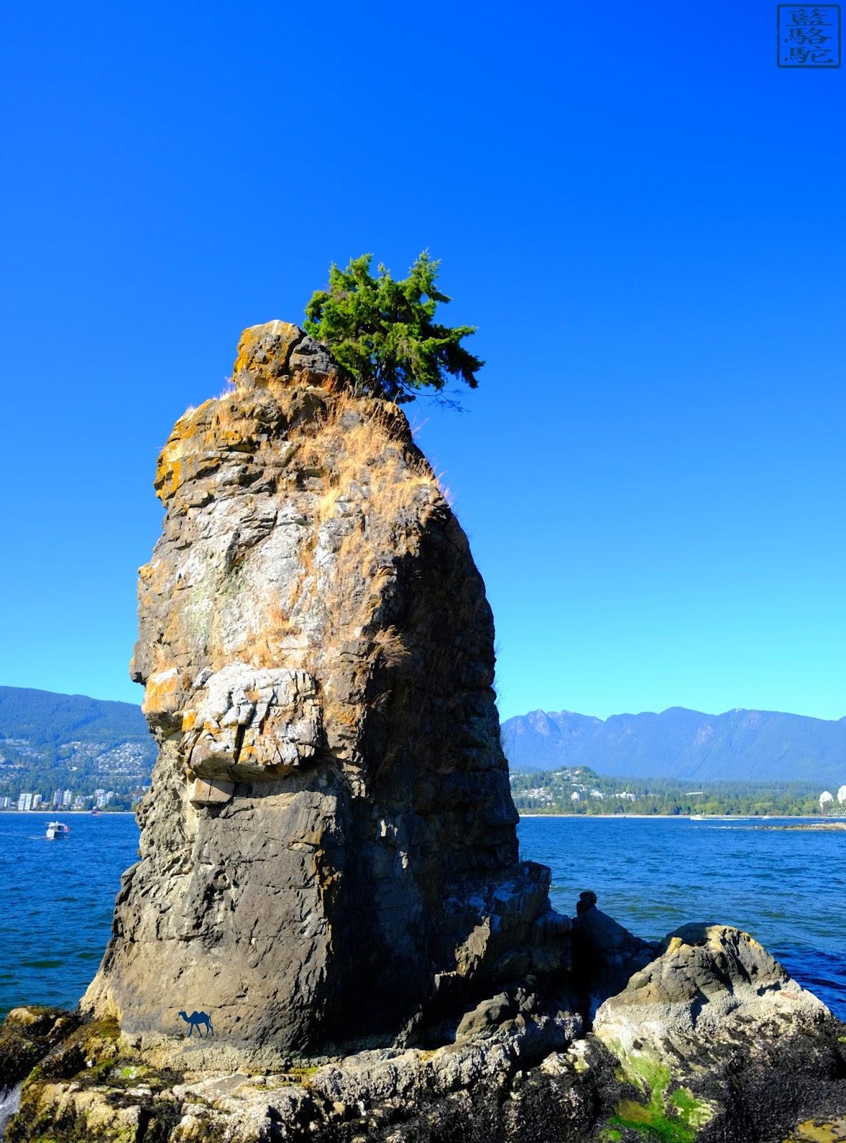 Le Chameau Bleu - Rocher de Stanley Park - Vancouver