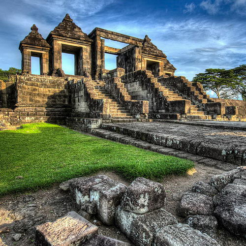 Tinuku Ratu Boko Temple in Sleman are palace complex ruins built by order Panangkaran of Sailendra dynasty