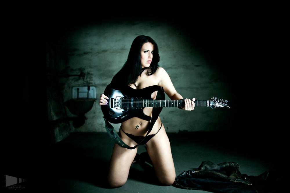 image Guitar hero hot girl