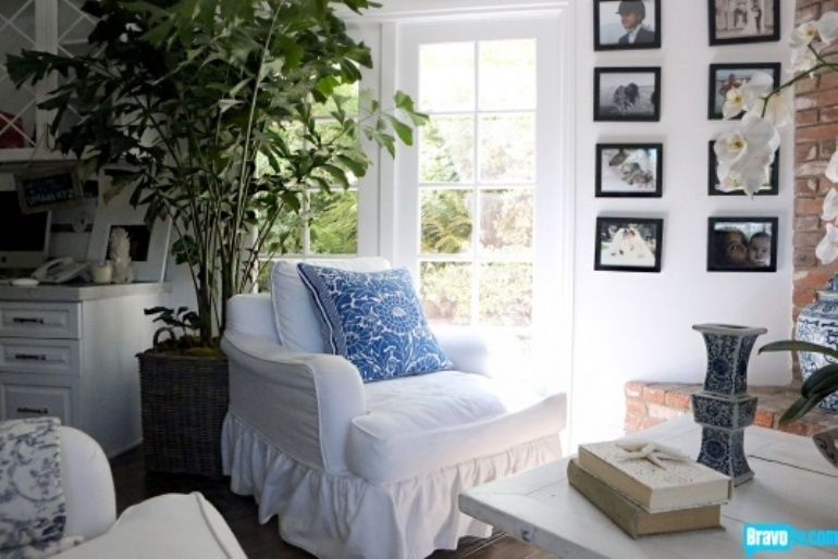 Pretty Blue And White Highlight The Mostly White Family Room