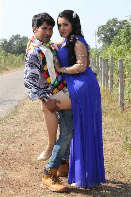 Nirahua Rikshawala 2 movie Shootimg Hot Photo