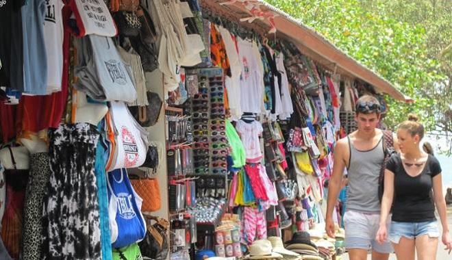 Pasaar Seni Kuta di Bali