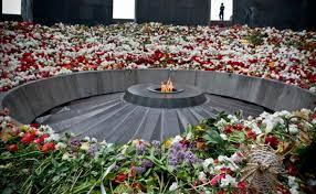 αποφεύγει τον όρο «γενοκτονία» για τη σφαγή των Αρμενίων