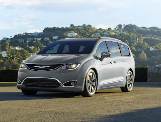 Minivan Pacifica by Chrysler