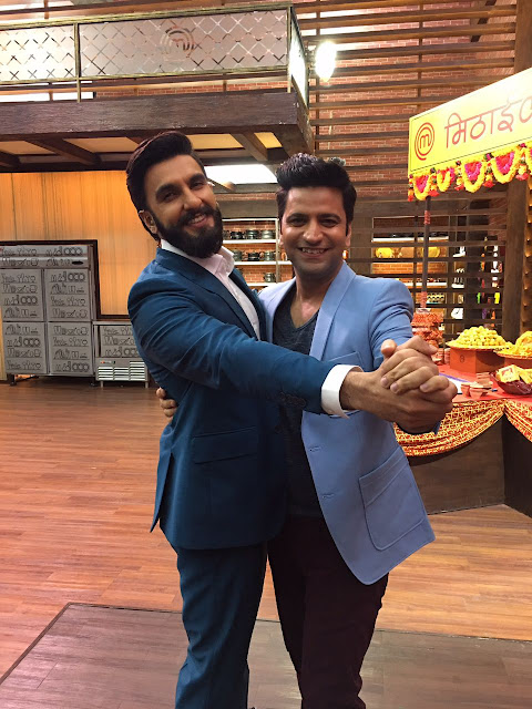 Ranveer Singh and Kunal Kapur on the sets of Masterchef season 5-min