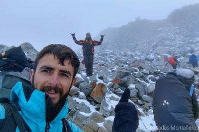 Ascensión al Huayna Potoí, primera etapa. Llegando al Campo Alto Las Rocas.
