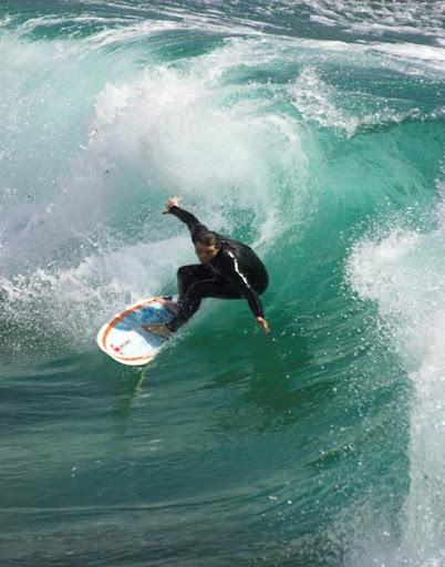 С сентября по май очень популярен серфинг.