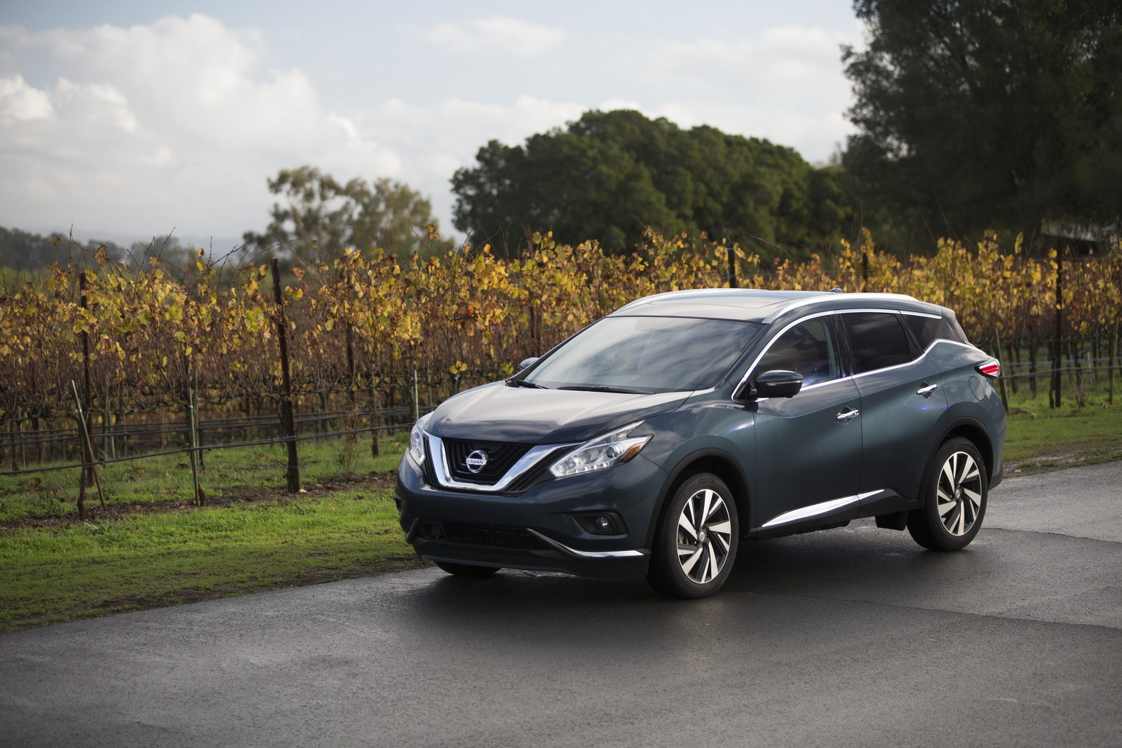 nissan murano soldiers on for 2017 with apple carplay starts at 30 640. Black Bedroom Furniture Sets. Home Design Ideas