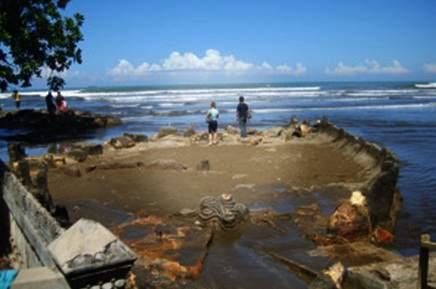 Wisata pantai aie manih sumbar