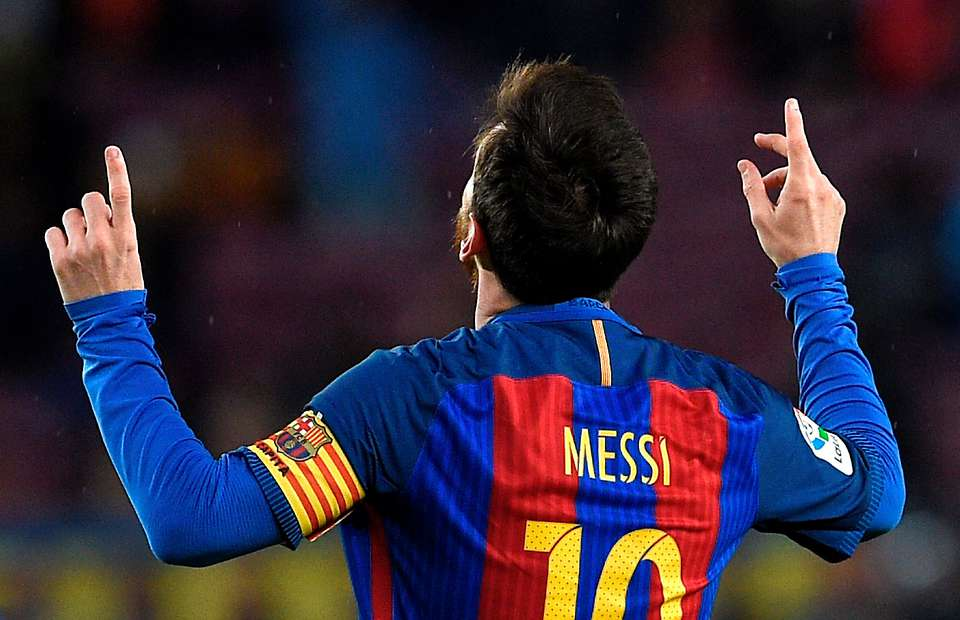 "10 ""Impossible"" Things Only Lionel Messi Can Do In Football"