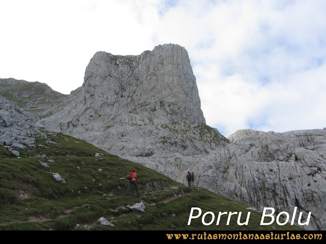 Ruta Pan de Carmen, Torre de Enmedio: Porru Bolu