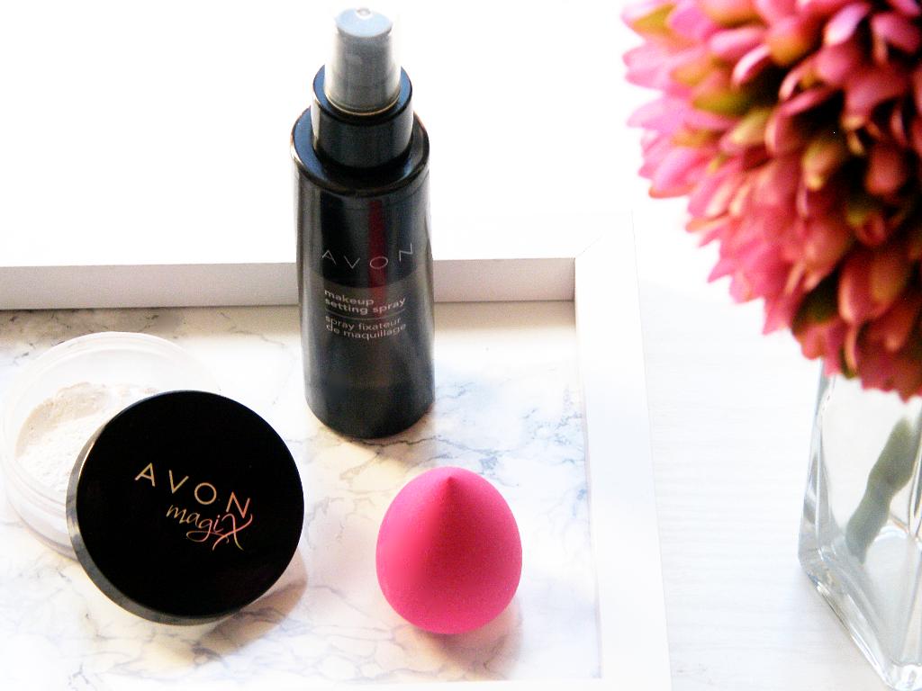 Čím fixuji make - up v letních dnech ?