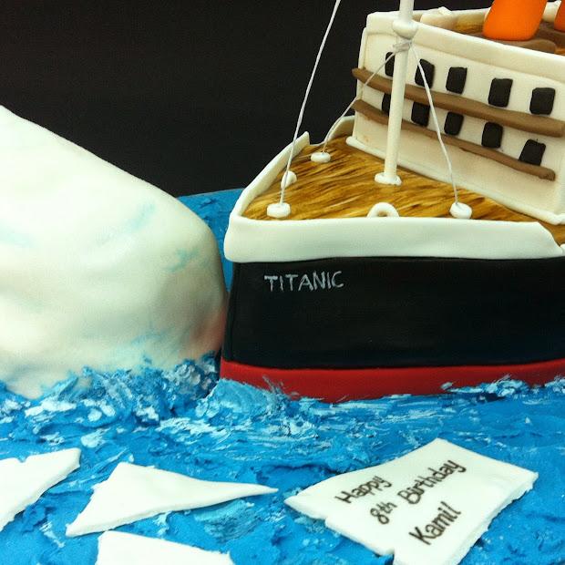 Tearoom Bel Jee Titanic Ship Cake
