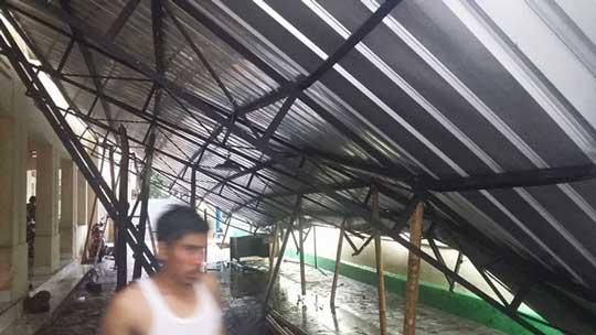 kontraktror dpkukm kota cirebon langsung perbaiki  kanopi