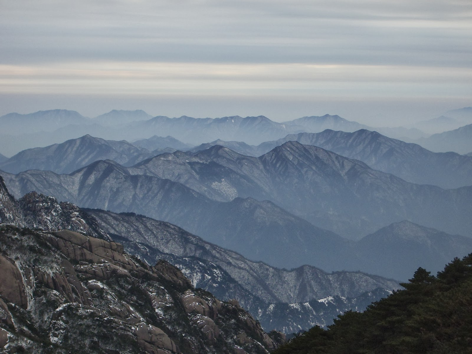 一個女生去旅行: 黃山白雪(I) ~ 後山