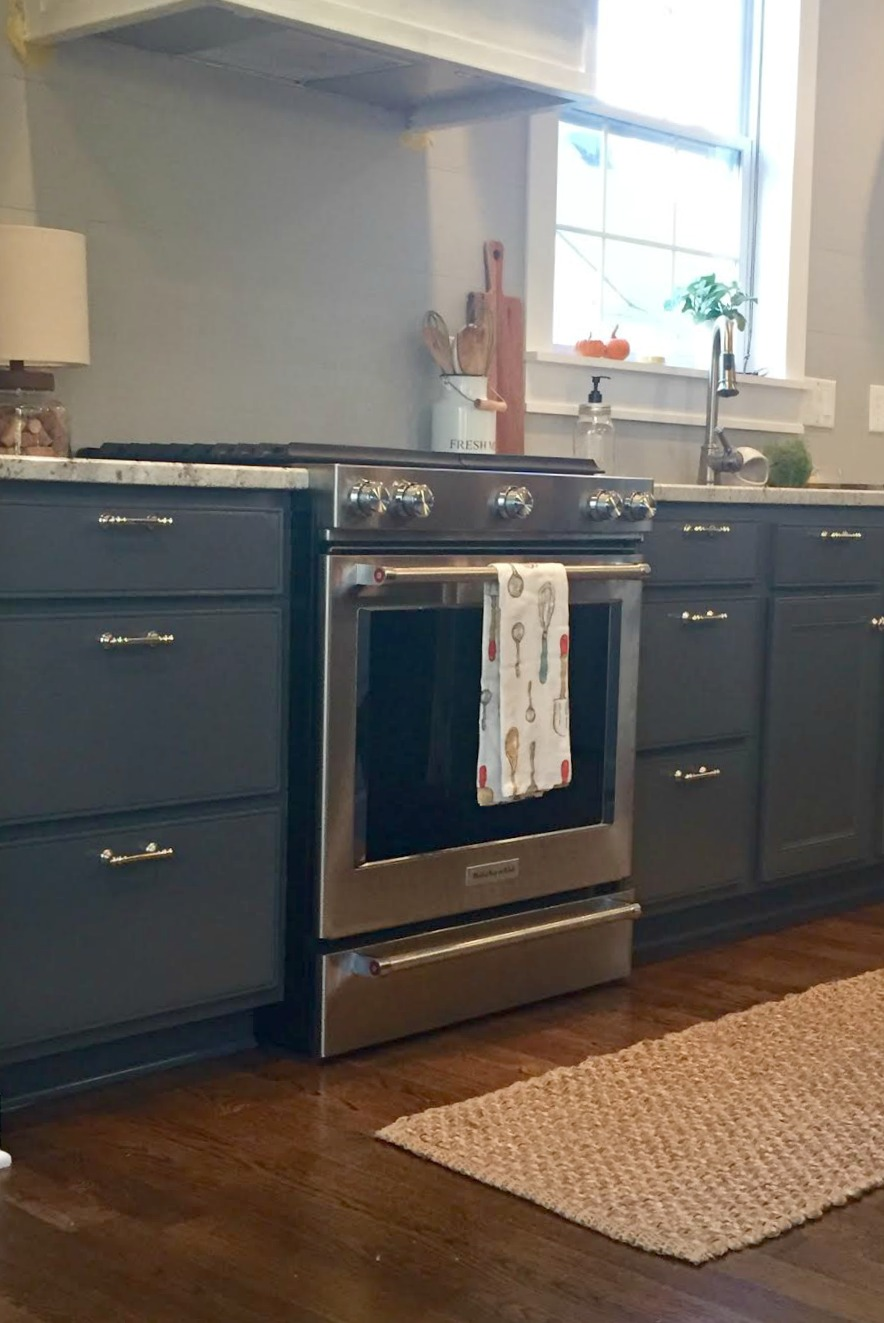 two toned cabinets dark gray