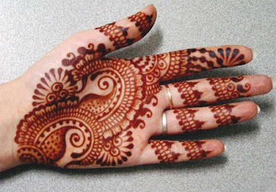 Latest-&-stunning-punjabi-mehendi-designs-2017-for-girls-11