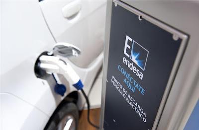 Els cinc factors claus que impulsarien, d'una vegada per totes, el cotxe elèctric a Espanya