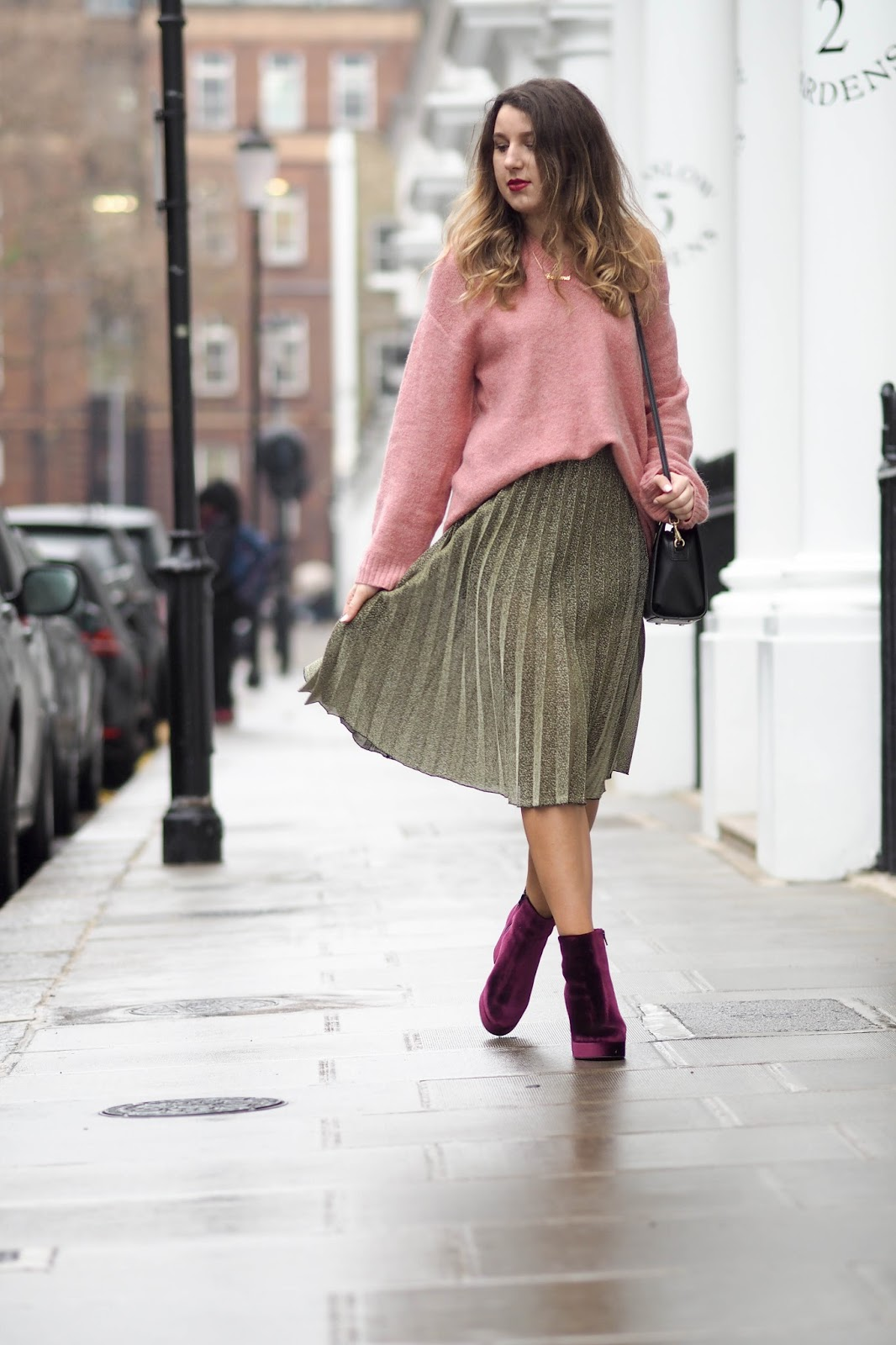 oversized jumpers and pleated midi skirts | what's in her wardrobe