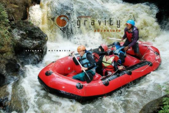 Tempat Outbound Rafting di Pangalengan Bandung Gravity Adventure