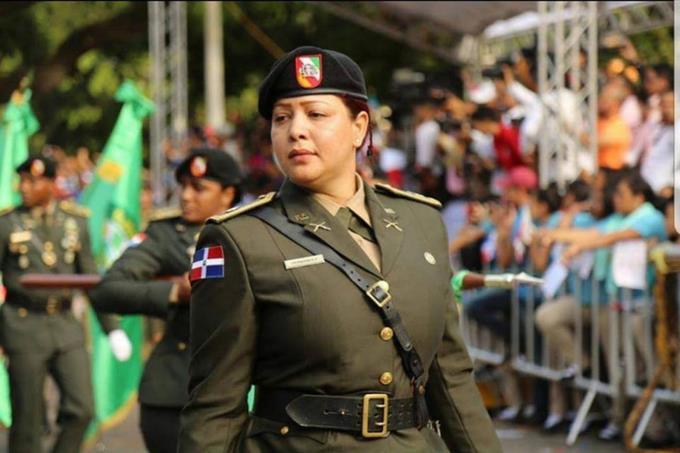 Designan mujer jefa de batallón