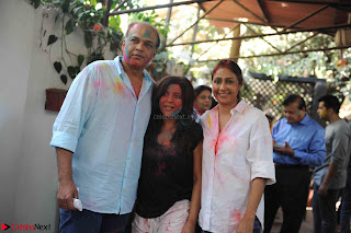 TV Show Celebs and Bollywood Celebrities at Zoom Holi Celetion 2017 (15).JPG