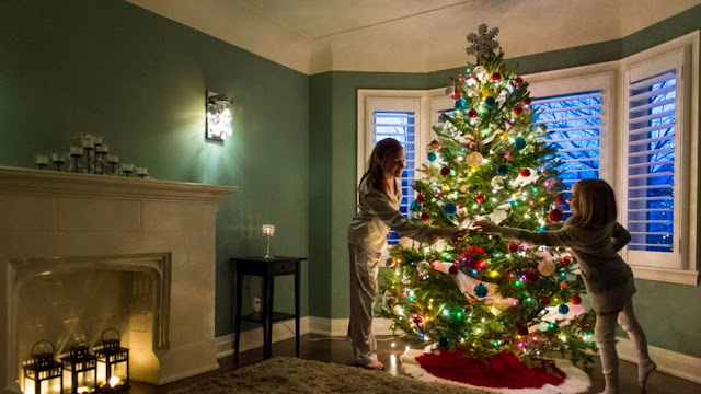 How to Adjust the Budget for Christmas Decorations