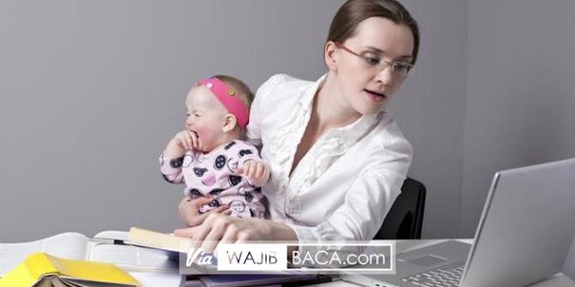 Wanita Pekerja Beresiko Akan Gagal Berikan ASI Eksklusif Bagi Sang Bayi