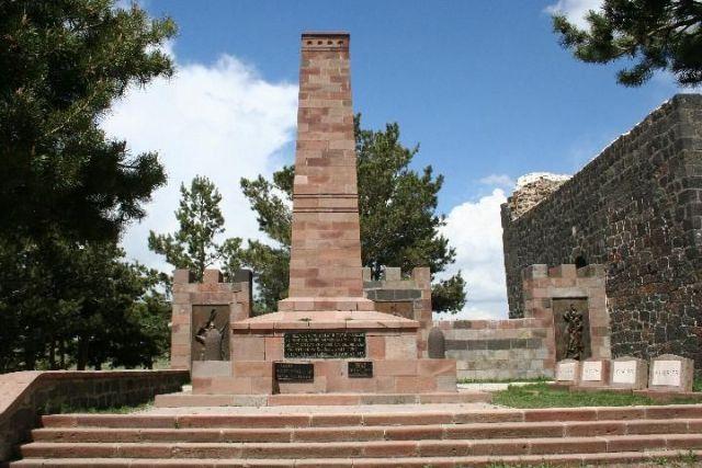 tabya önü anıt