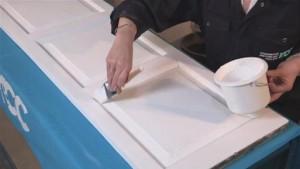 Pintando-a-porta-de-Branco-Foto
