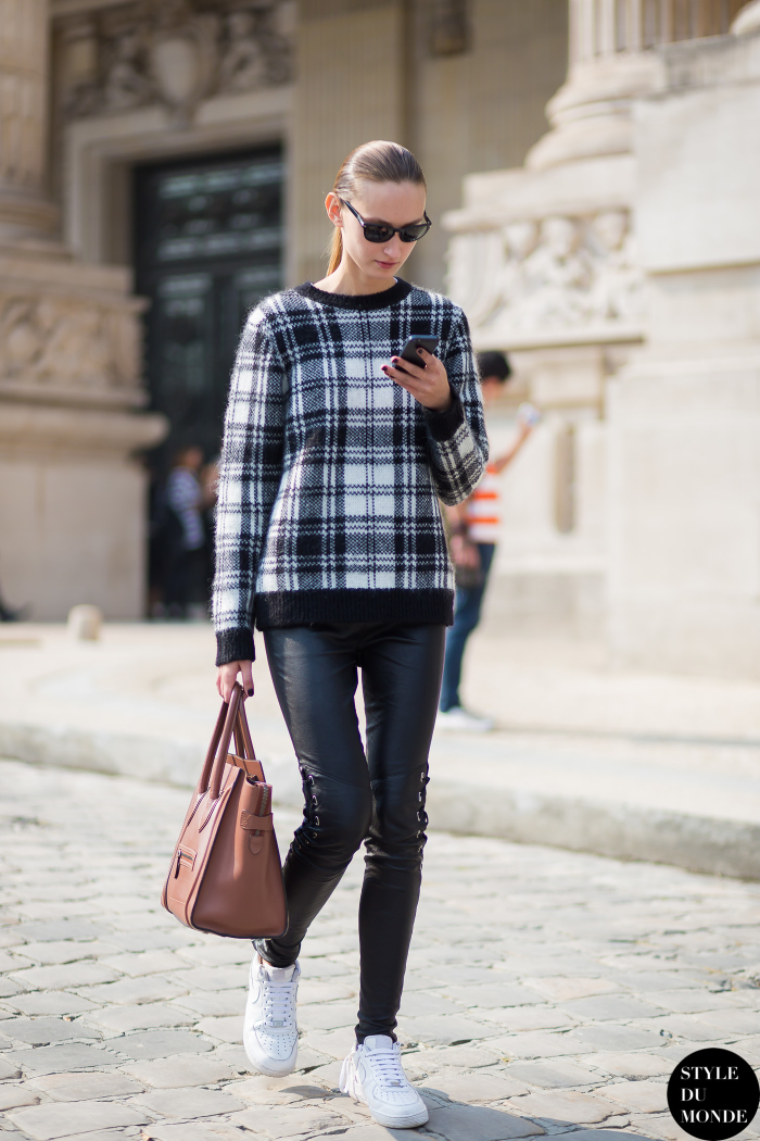 Plaid sweater street style