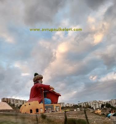 İzmir Nasreddin Hoca Heykeli
