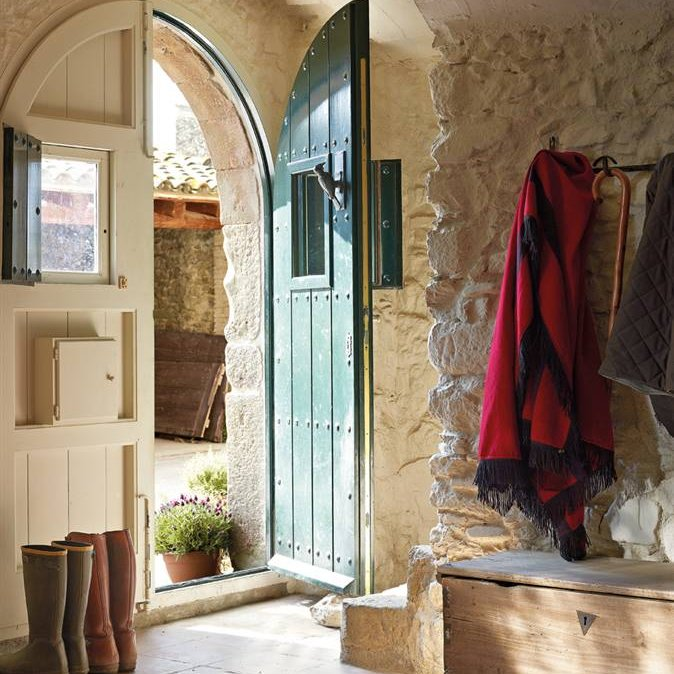 Hall de entrada no melhor do estilo r stico decora o e - Decorar pared porche ...