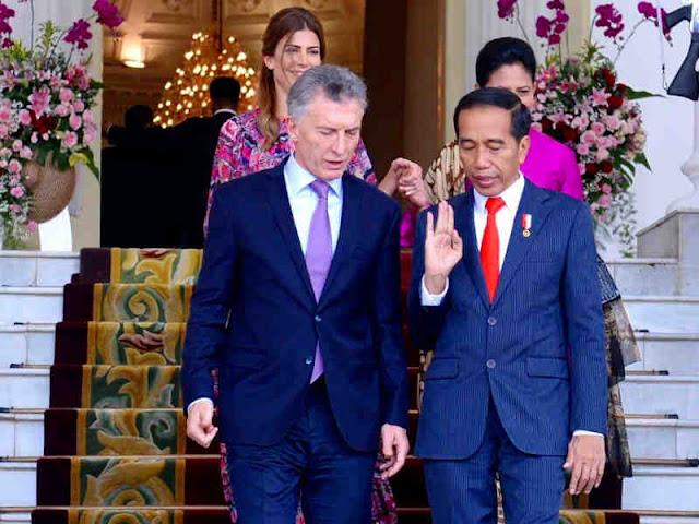 Jokowi dan Iriana Sambut Kunjungan Mauricio Macri dan Juliana Awada